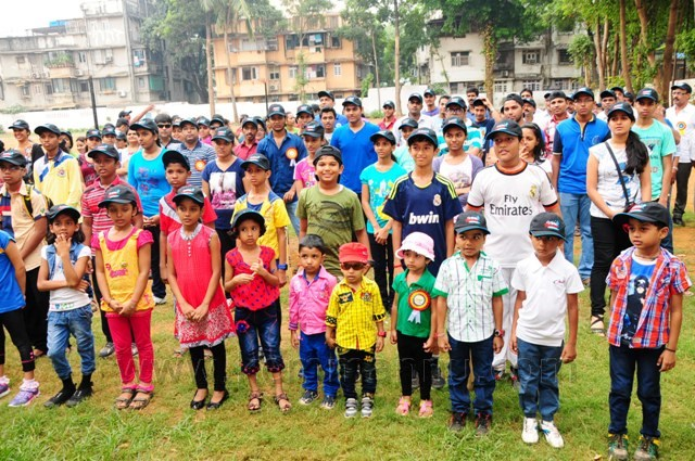 Mumbai: Ganiga Samaj sports meet 2014 - Kurla Cricketers won Cricket and Savitha Team Throw ball.