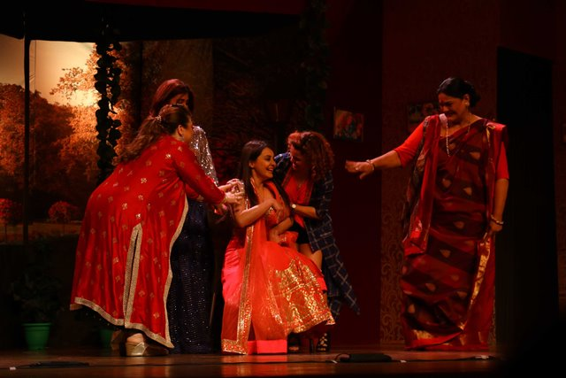 Hello Zindagi Mesmerizes Theatre Lovers in Mumbai !