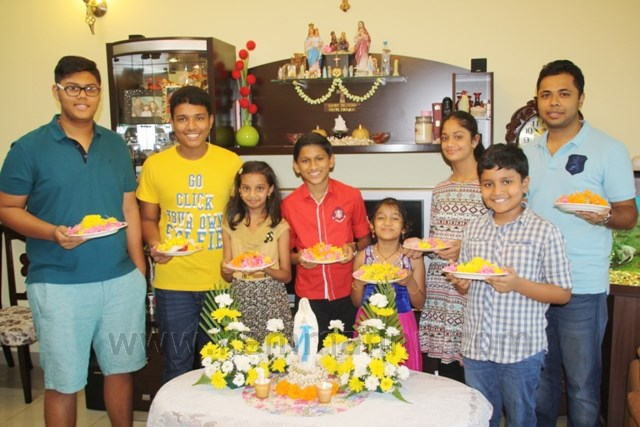 Dubai: Kemmannu Flowers Committee Members Celebrate Monthi Fest.