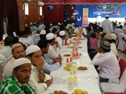 BEARYS CULTURAL FORUM (BCF) RAISED EDUCATIONAL SCHOLARSHIP FUND FOR MORE THAN 400 POOR STUDENTS OF ALL COMMUNITIES AT THE  IFTAR PARTY 2012