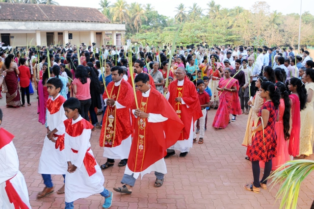 St John the Evangelist Church, Pangala, Shankarpura observed the triumphant entry to Jerusalem popularly known as 'Palm Sunday'