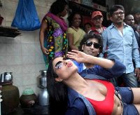 Veena Malik and Rajan Verma Promote their Movie Ziindagi 50-50 in Kamathipura, Red Light Area in Mumbai