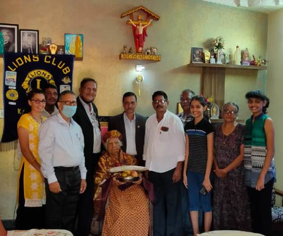 Lions Club Kallianpura Felicitates Rtd. LVP Teacher Christine at her Residence.