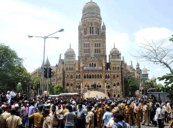 Brief Mumbai News with Pictures 13-10-2013