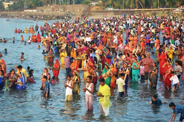 Congress, BJP fight to attract north Indians to their Chhath Puja events on Mumbai's Juhu beach