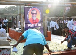 Shiv Sena wants Bal Thackeray memorial at Shivaji Park