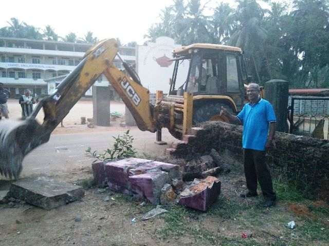 Widening Kemmannu Main Road - Work on old Telephone building.....