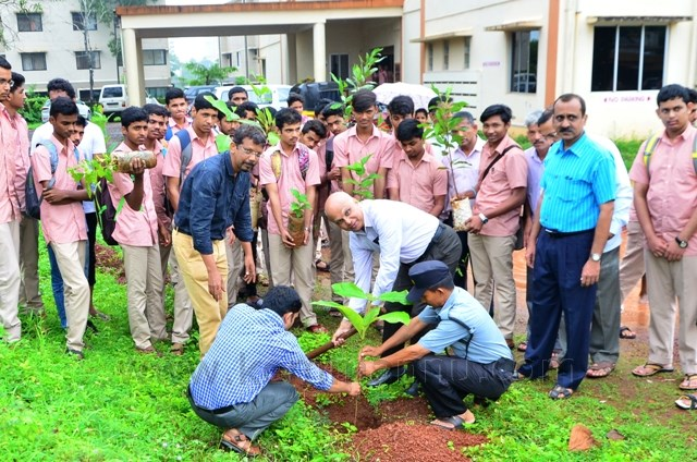 Sri T Ranga pai inaugurated vanamahotasav through sapling pants in Manipal.