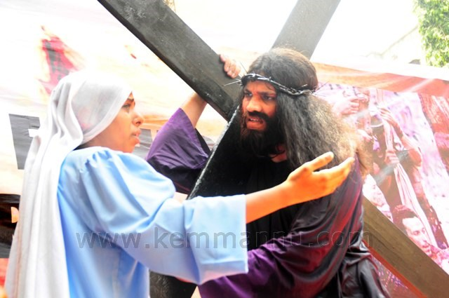 Mumbai: Thousands Join Walking Pilgrimage on Good Friday.