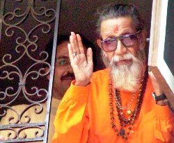 Centre keeps paramilitary forces on standby as Bal Thackeray remains critical