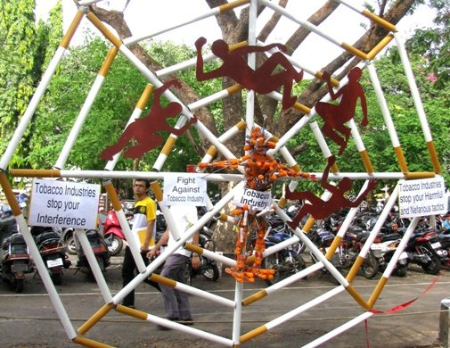 Sculpture on 'World Tobacco Day' at Manipal