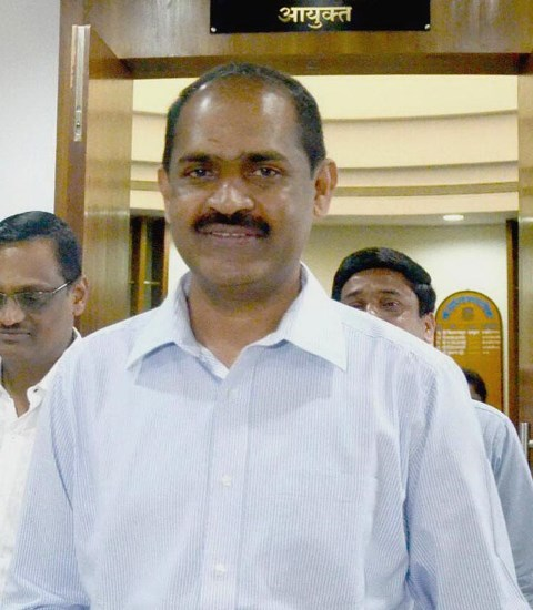 Dr. N. Ramaswami took charge as the Commissioner of the NMMC