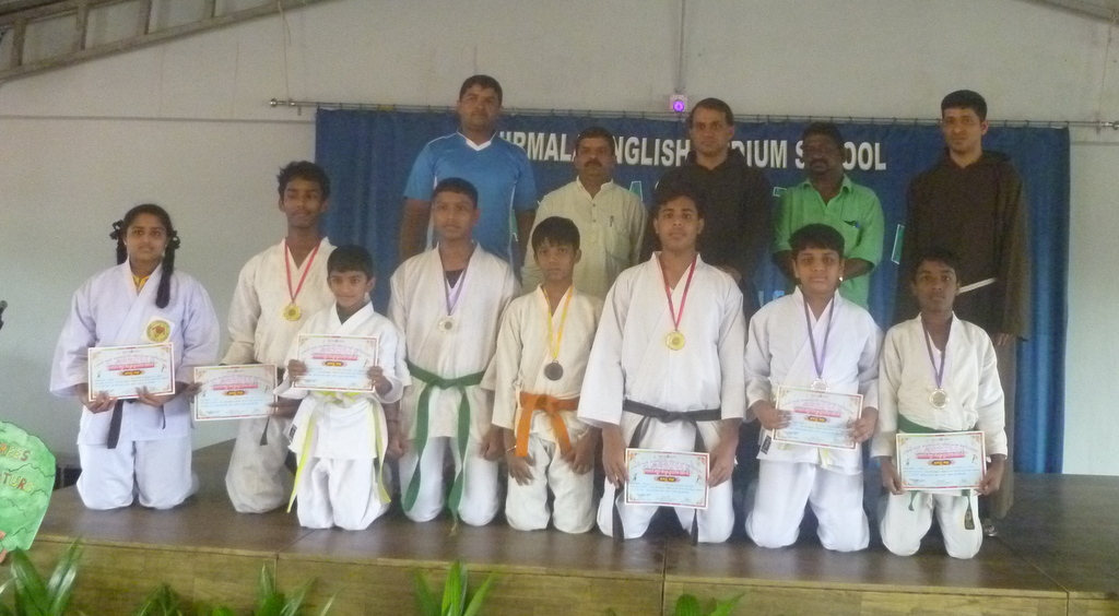 Nirmala English Med. School glorious won 9 medals in ZP Karate competition
