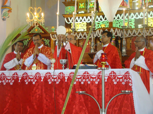 Palm Sunday onserved at Milagres Cathedral with much devotion & fervor