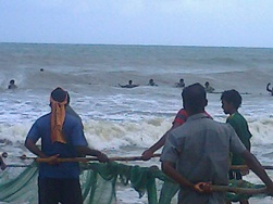 Monsoon Fishing in Kemmannu Sea Shore