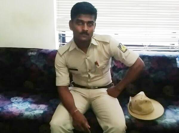Malpe Police constable suspended for assaulting factory worker, Pramod Madhwaraj visits injured in Hospital