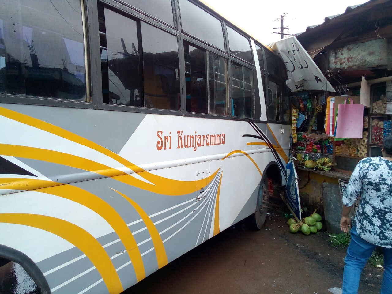 The driver lost control of the bus and stopped after hitting a shop at Shirva