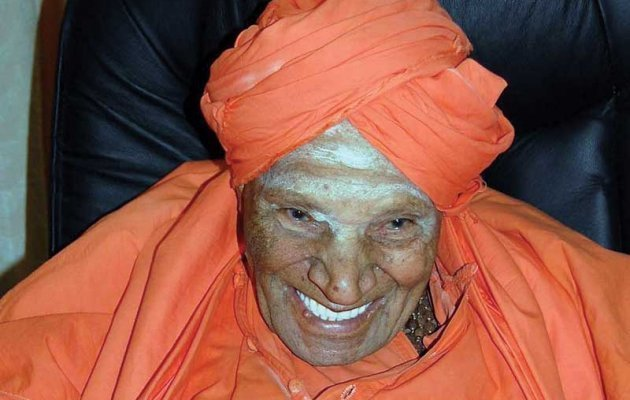Devotees Rush to Siddaganga Mutt as Dr Shivakumara Swamiji Turns 110 Today
