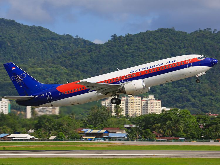 Indonesia: Sriwijaya Air Boeing 737 plane missing, loses contact after take-off