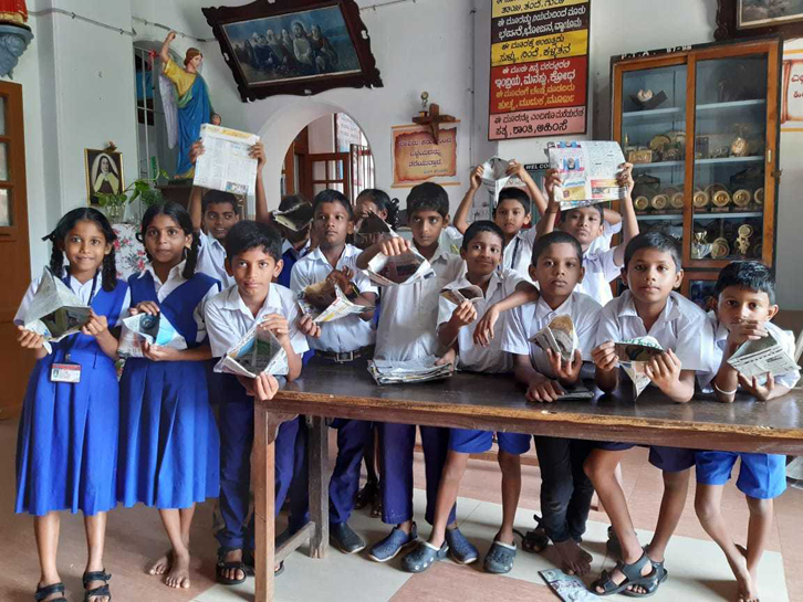 Kannada medium school students manufacturing and selling paper bags
