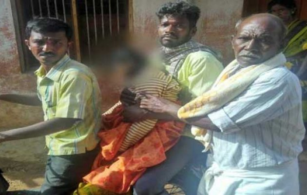 Father takes his daughter's dead body by two-wheeler to his village in Tumkur
