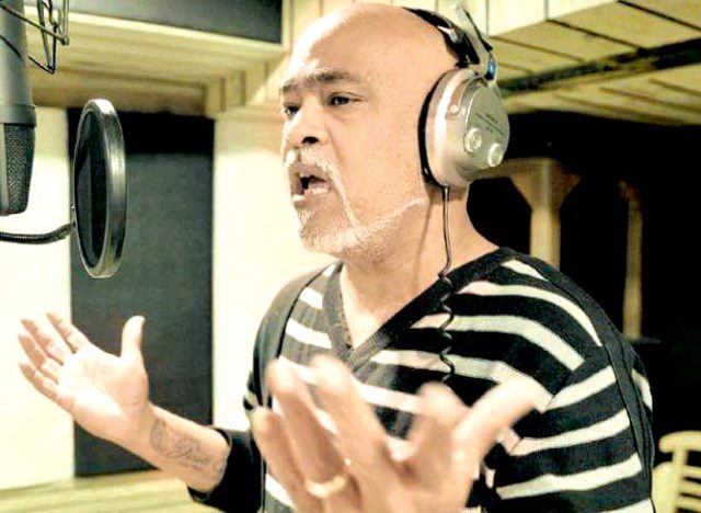 Former Cricketer Vinod Kambli makes his singing debut
