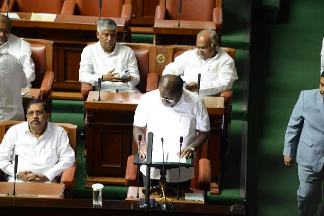 Karnataka budget announces ₹34,000 crore farm loan waiver, increase in taxes on fuel