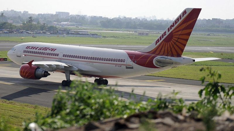 Covid threatens to ground India's aviation industry