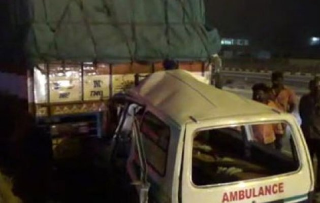 Ambulance rams into parked lorry: 4, including patient killed
