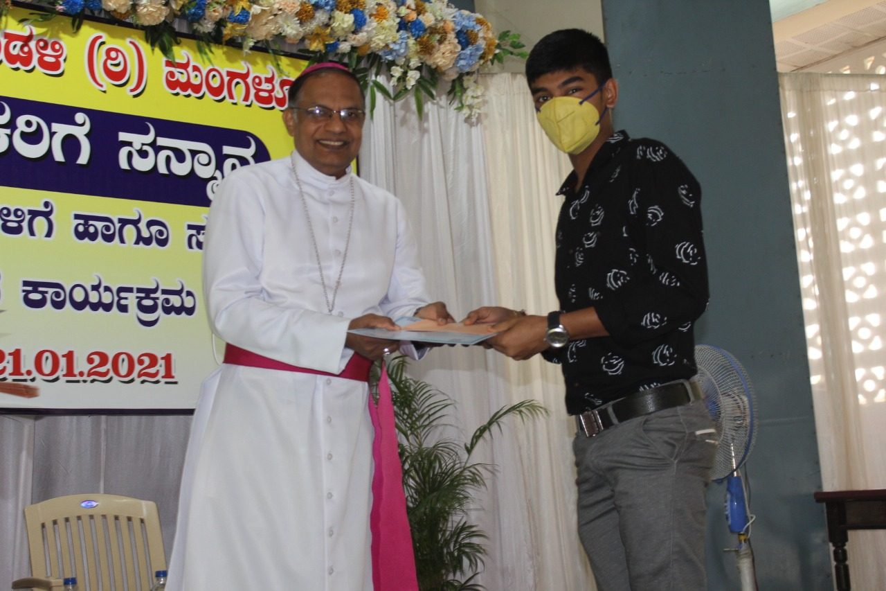 CBE of Mangaluru Diocese felicitates retired staff and rank holders