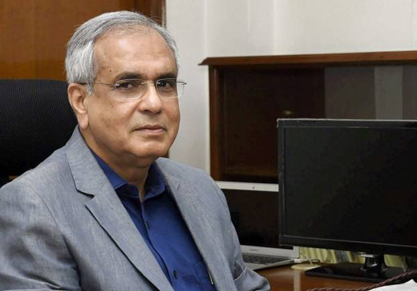 EC to seek details of Niti Aayog VC's remarks against Congress over minimum income promise
