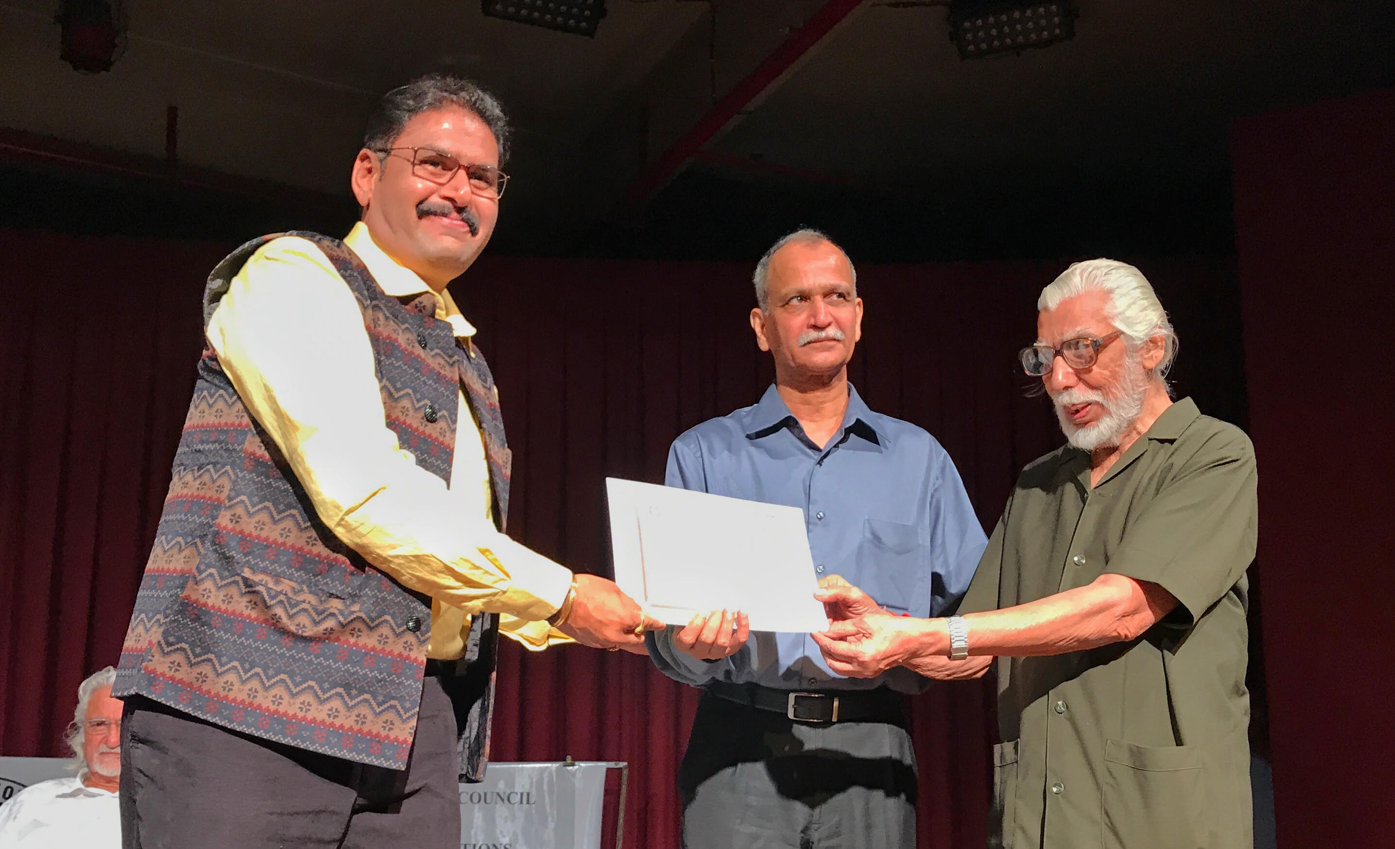 Astro Mohan Sr. News photographer received IIPC fellowship honour