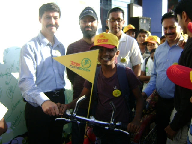 92.7 BIG FM Organizes 'Avon Cyclogreen' Rally in Mangalore
