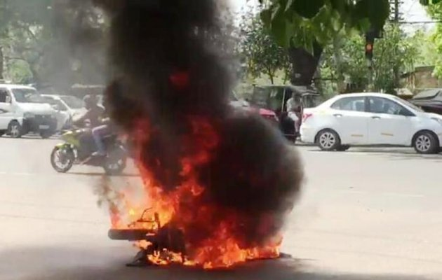 Parked bike catches fire; no casualties reported