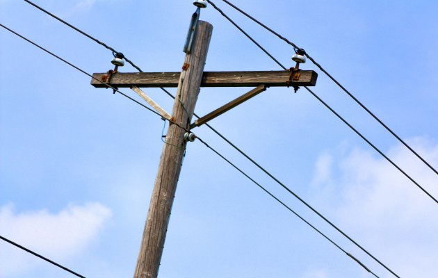 Man attempts to end life by plunging off electric pole