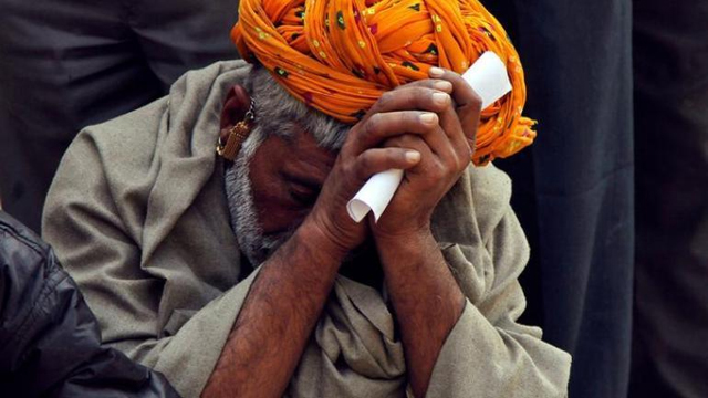 Let me kill myself: UP farmer tells Yogi Adityanath as he returns Rs 2,000 received from PM scheme