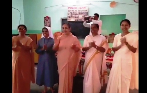 Santhekatte: Nuns visit Spandana at Nejar and entertained the inmates.