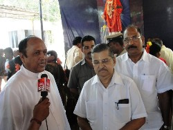 Higher Education Minister prays in Attur shrine