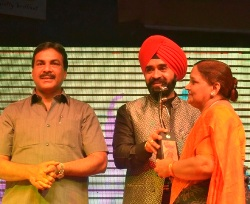 """MULUND FESTIVAL 2011' – Grand Finale, A Success, amidst Bollywood Brigade & more than 10 Thousand Mulundites."