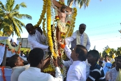 Post Centenary Silver Jubilee Cross Reaches Stella Maris Parish, Kalmady