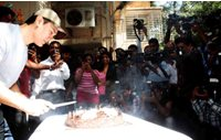 With flowers, cakes and sketches, Aamir Khan celebrates birthday with press