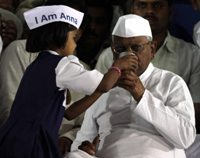 Anna ends his fast, calls off 'jail bharo'