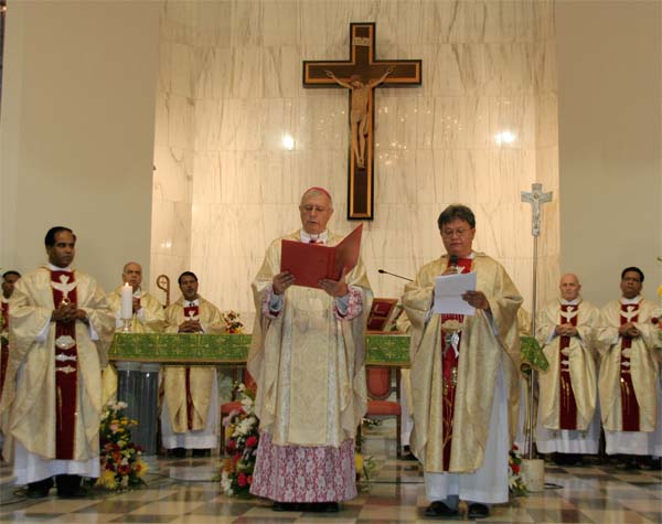 Photo Album: St. Mary's Dubai Welcomes New Parish Priest.