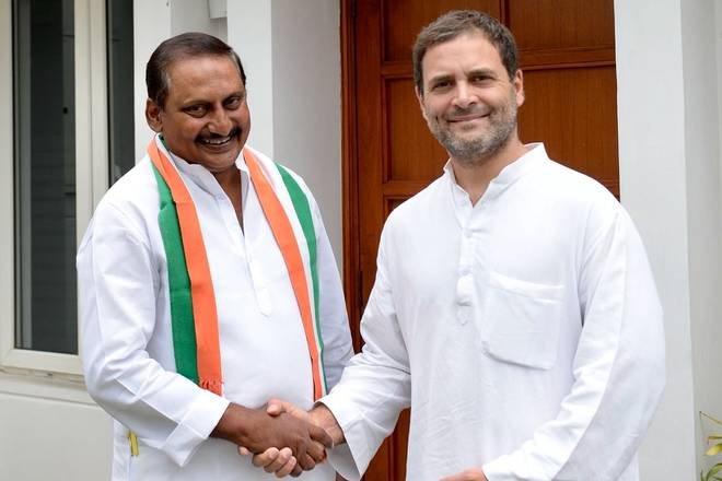 Former A.P. Chief Minister Kiran Kumar Reddy returns to Congress