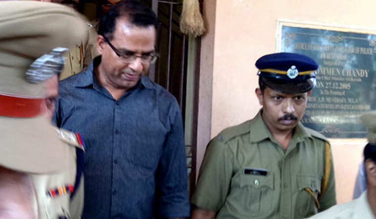 Kerala: Christian Padre Robin Vadakkumchery, convicted with 20 years of imprisonment for rape of a minor girl, files petition to marry the victim