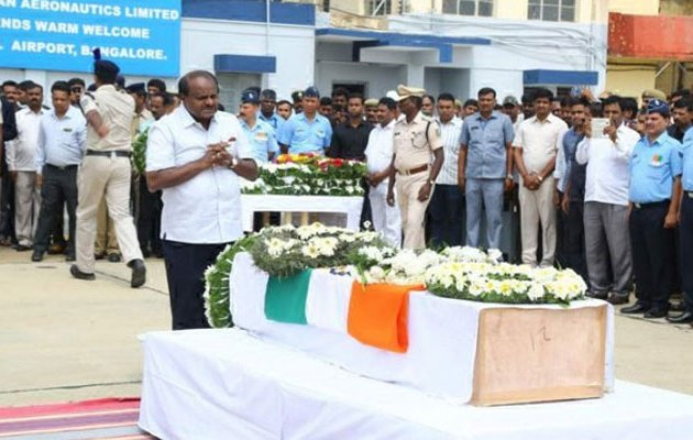 Mortal remains of martyred Mandya braveheart reaches B'luru