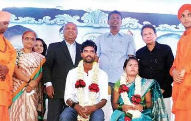 Inter-caste couple enter wedlock at graveyard on Amavasya to beat superstition