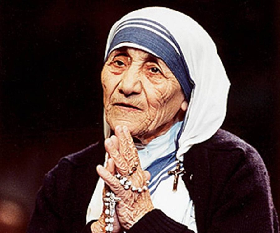 Pope denounces 'sin of indifference' before Mother Teresa canonisation