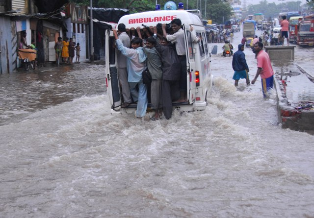 Photo Album: Mumbai Rains 14.07.09