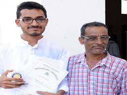 Auto driver's son wins gold medal in MA Kannada